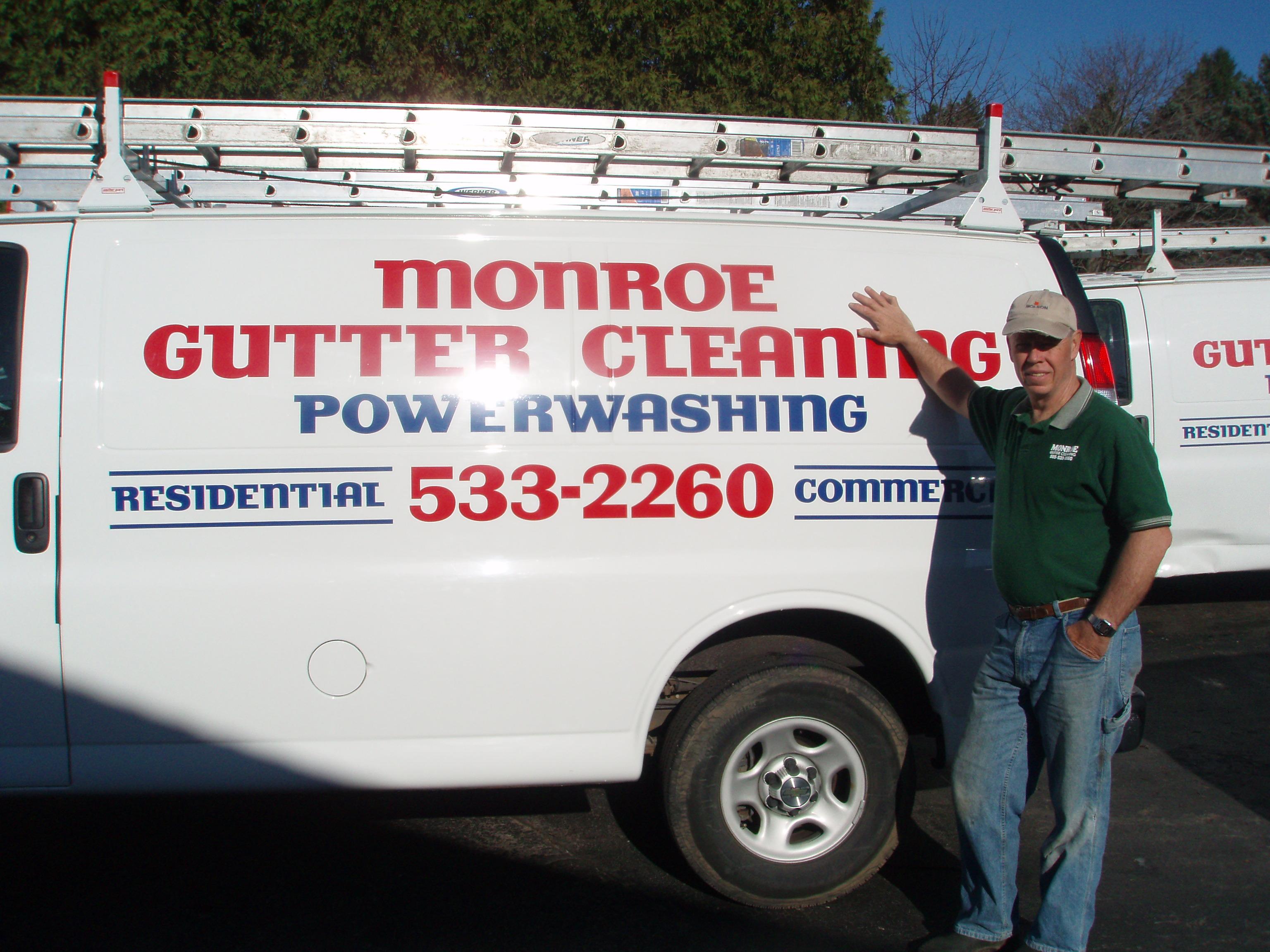 Monroe Gutter Cleaning LLC logo